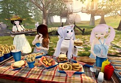 Fried Food Friends (SerenitySemple) Tags: food anime home fashion garden furry secondlife kawaii cisne nocciola addams altair ayashi gacha astralia mokyu gfield lovefox catwa animehead pinkhustler lostjunction gachagarden azuchivinyl kowaiponpon