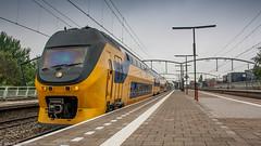 NS VIRM passing through Zwijndrecht (Nicky Boogaard Photography) Tags: ns siemens db cargo alstom 189 bombardier roosendaal cartrain class66 1621 g2000 zwijndrecht locon containertrain vossloh es64f4 captrain