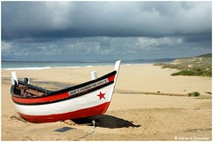 Praia Moinho de Baixo (Portugal) (gerard21081948) Tags: mer praia portugal sable bateau extrieur plage meco barque naturisme littoral vhicule