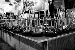 Hot and fresh pizza. Seattle, WA. May 2016. (poopoorama) Tags: seattle blackandwhite restaurant washington unitedstates chairs fujifilm pikeplacemarket stools xseries dannyngan x100t dannynganphotography