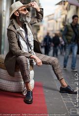 IMG_4589 (traccediscatti) Tags: moda persone uomo cappello pubblicit profilo modello abbigliamento accessori pantaloni