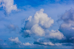 Fluffy Cloud (aViaTioNuT) Tags: blue sky cloud white