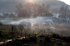 P3050429new (klausen hald) Tags: china morning mist mountain fog sunrise landscape countryside village outdoor country mountainside morningmist wuyuan shicheng