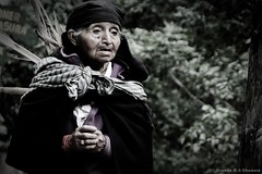 Mujer ecuatoriana (photo.okamura) Tags: trip america photography photo ecuador mujer do foto photographer mulher photograph roberto fotografia sul fotografo equador ecuatoriana americadosul okamura documentario equatoriana photookamura sulameriacana