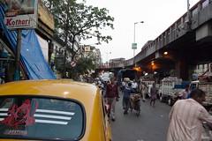 (Life in Frozen Frames) Tags: lifeinfrozenframes reemagill tamaghnasarkar people road street streetscape calcutta bengal india