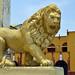 Molte chiese di León hanno statue raffiguranti leoni