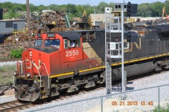 CN 2550 west at East Rockford (antennawizard) Tags: railroad cn illinois mow signal circuit freight rockford interlocking ethanol maintenanceofway controlpoint unittrain trackmaintenance eastrockford cnfreeportsubdivision cnethanol behrironandmetal