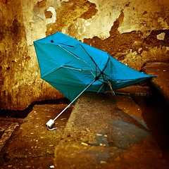 (Asia Piasny) Tags: street art umbrella photography foot photo artwork asia shoot prague flood photos praha praga parasol shooting shoots fotografia zdjecia photographyart fotki fotky powd foty zdjcia sztuka piasny