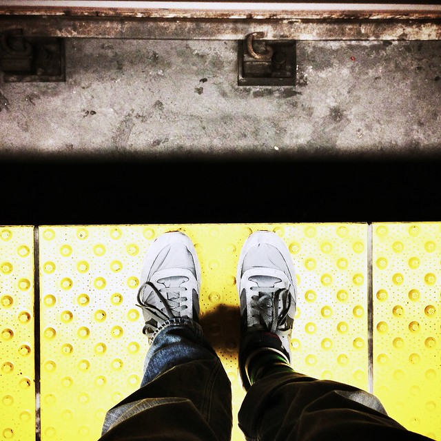 subway bart platform sneakers saucony sanbrunobartstation uploaded:by=flickrmobile bleachedfilter flickriosapp:filter=bleached
