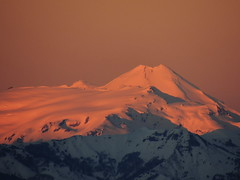 Amanecer desde el Campamento (Mono Andes) Tags: chile amanecer andes sierranevada volcn chilecentral regindelaaraucana volcnllaima cerrodedos valledernquil