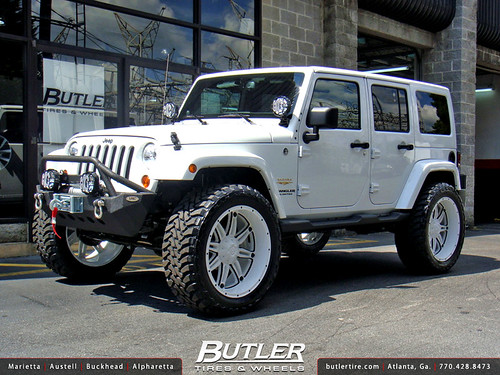 Jeep Wrangler With Custom 22in Fuel Hostage Wheels