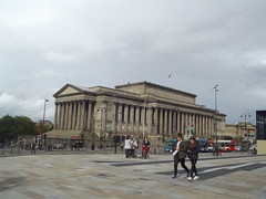 St George's Hall - from Liverpool Lime Street Station (ell brown) Tags: greatbritain england bus buses statue liverpool unitedkingdom columns statues unescoworldheritagesite unesco worldheritagesite column merseyside stgeorgeshall limestreetstation limest williambrownst pelicancrossing walkerartgallery walkergallery liverpoollimestreet stgeorgessquare liverpoollimestreetstation gradeilistedbuilding gradeilisted crcockerell liverpoolmaritimemercantilecity corinthiancolonnade maritimemercantilecity hlelmes publichallandlawcourts classicaltempleofthecorinthianorder 16flutedcolumns