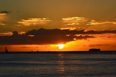 Waikiki sunset (Jason Fairbairn Photography) Tags: sunset sky cloud sun water sunshine clouds boats boat waves sailing waikiki dusk sail waikikibeach waikikisunset