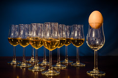 Der Freidenker (joerg.busack) Tags: blue stilllife dark stillleben egg whiskey jar whisky blau glas ei dunkel glassware eggcup eierbecher