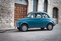 500 blu (Mario Aprea) Tags: auto old city car 500 umbria autodepoca citta gubbio borghiantichi marioaprea