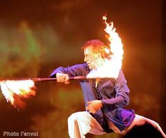 Cracheur de feu (photolenvol) Tags: cirque feu jongleur