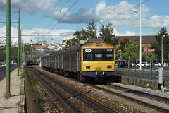 UQE 3252 (Tiago Alves Miranda) Tags: portugal train santos emu sat cp alstom railways gec comboio automotora uqe 3250 emef 3252 caminhodeferro linhadecascais sorefame tiagoalvesmiranda