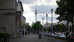 Karl-Marx-Allee (Rosapolis) Tags: berlin germany marx alemania karl mitte friedrichshain allee karlmarxallee