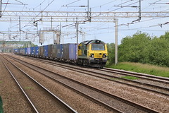 Freightliner 70005 @ Coppenhall (uksean13) Tags: train canon cheshire diesel rail railway crewe freight freightliner ef28135mmf3556isusm 70005 coppenhall 760d