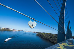 Vsterbron (MeAxell) Tags: bridge heart stockholm clear