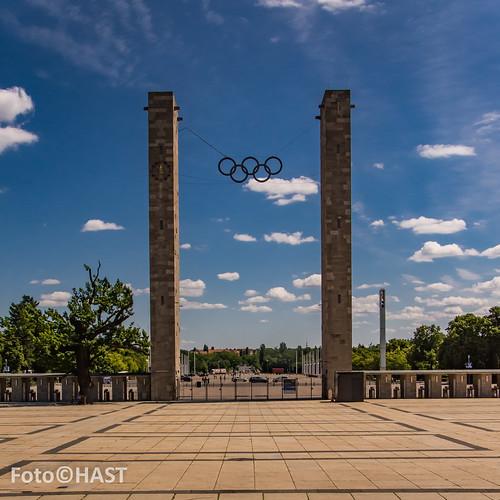 Vanuit het stadion de Olympische ringen