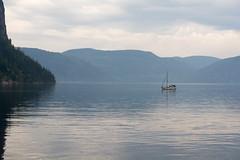 Voilier ancr dans la baie Eternit (montrealrider) Tags: fjorddusaguenay