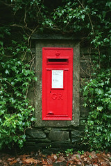 Postbox in the lake district (_Cloud9) Tags: uk lake film post unitedkingdom district postbox fujica royalpost st605n