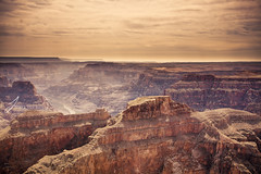 Grand Canyon (Jinna van Ringen) Tags: vegas arizona usa canon golden nationalpark lasvegas grandcanyon nevada grand canyon aerial helicopter elusive 1740mm helicoptertour goldenlight jorinde jinna 1740mmf4 canon1740mm canoneos5dmarkii elusivephoto elusivephotography jorindevanringen jinnavanringen jinnavanringenphotography jinnavanringencom