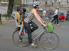 IMG_0687 (Planetgordon.com) Tags: bike manhattanbridge bikelane biketoworkday streetsblog