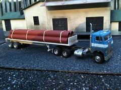 Freigltliner daycab01 (jredding666) Tags: modeltrain ho 187 flatbed modeltruck hoscale freightliner modelvehicles 187trucks hoscaletrucks