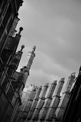 DSC_0695 [ps] - Molesting the Air (Anyhoo) Tags: old uk cambridge chimney england stone row repetition tall parallel cambridgeshire finial cambs trinitylane
