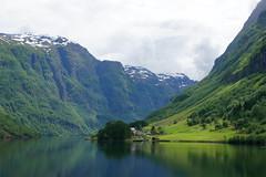 Norvège Nærøyfjord (moscouvite) Tags: voyage nature ciel fjord norvège sonydslra450 heleneantonuk