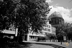 The square in front of Elizabeth Church (Ridi Qirici) Tags: blackandwhite building monochrome architecture outdoor nuremberg elisabethchurch ndertime