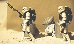 We're never gonna find these damn droids! (3rd-Rate Photography) Tags: canon toy 50mm robot starwars florida action r2d2 7d figure scifi stormtrooper jacksonville droid sandtrooper toyphotography blackseries earlware 3rdratephotography
