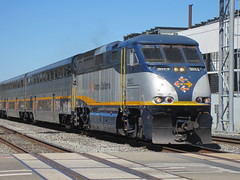 CDTX #2013 (EMD F59PHI) in Emeryville, CA (CaliforniaRailfan101 Photography) Tags: heritage up 66 amtrak unionpacific ge freight bnsf sanjoaquin emeryvilleca coaststarlight emd californiazephyr warbonnet