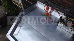 Dakdekker: In Utrecht een dak met dakbedekking gesloopt en voorzien van nieuwe titaan zinken dak bekleding. Op maat geleverd en gemonteerd. De naden ingesmeerd, gesoldeerd en overtollige vloeistof verwijderd