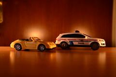 Miniaturas de  Carros (Zucasampa98) Tags: nikon 911 police noturna carro luxembourg carrera porshe miniaturas d600 escuridao exposiçao descapotavel