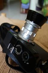 Camera Life (Danny Chou) Tags: leica black digital 50mm paint summicron f2 rf m9 502 rigid 50mmf2 rangerfinder 標頭 這顆鏡頭是朋友的