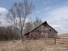 (Jean Marie's Photography) Tags: old blue light red sky brown sunlight tree grass barn fence natural time iowa missouri valley worn canoneosdigitalrebelxs jeanmariesphotography