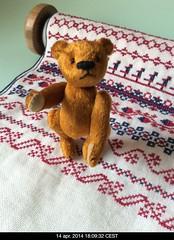Miniature bear and cross-stitch (Cordebra) Tags: bear miniature crossstitch handmade kruissteek