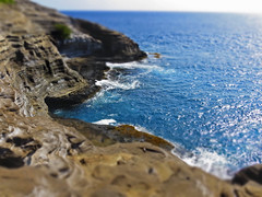 (avphoto.ca) Tags: ocean blue seascape hawaii rocks mini honolulu hawaiikai portlock tiltshifteffect spittingcave miniaturemode