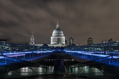 bridge london saint museum modern night pose long cathedral tate millenium pauls