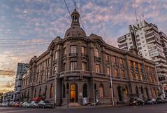 Edificio de los Servicios Pblicos de Antofagasta (BernardoAmstica) Tags: chile sunset atardecer monumento biblioteca correos antofagasta correo mailoffice correosdechile monumentohistorico bibliotecaregional correoschile bibliotecaregionaldeantofagasta