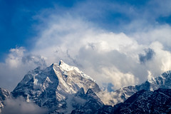 Mount Kangtega in the Clouds (Mild Delirium) Tags: nepal sky naturaleza mountain primavera nature clouds landscape spring outdoor cielo nubes np himalaya montaa himalayas pangboche pasaje        easternregion  fujinonxf1655mmf28rlmwr xf1655mm fujifilmxt10