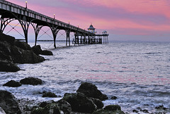Clevedon Pier at sunset (Dreamsmitten) Tags: clevedonpier sunset rocks lamplights