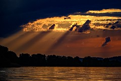 Everything is there, you just have to see it (yarin.asanth) Tags: lake love water clouds golden evening spring kayak tour sundown kayaking warmlight goldenlight lakeconstance caphorn bestbeforeend yarinasanth gerdkozik