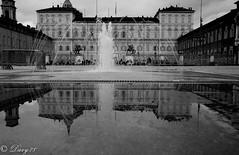 Palazzo reale (davide.soffietti) Tags: torino turin pioggia fontana riflesso pozzanghera