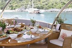 Masadan Manzara - Kiralk Yat (DHYACHTING) Tags: moon silver dh silvermoon mavi yat gulet tekne yolculuk yelkenli kiralk yeme tatili teknesi ime haftalk kiralama turlar yatlk gvertede