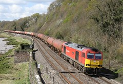 60091 powers past Gatcombe (Ross Taylor pictures 2015) Tags: uk red england yellow diesel super db april tug dbs 2016 westerleigh dbcargo class60 60091 6b13 robeston