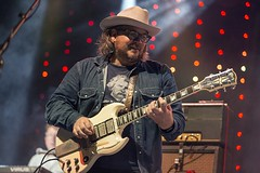 "Wilco - Vida Festival 2016 - Viernes - 6 - M63C1648 • <a style=""font-size:0.8em;"" href=""http://www.flickr.com/photos/10290099@N07/28098831226/"" target=""_blank"">View on Flickr</a>"